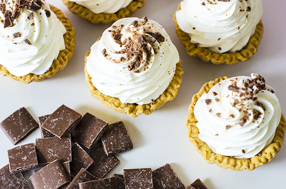 Tartaletas sin Azúcar de nata y viruta de chocolate